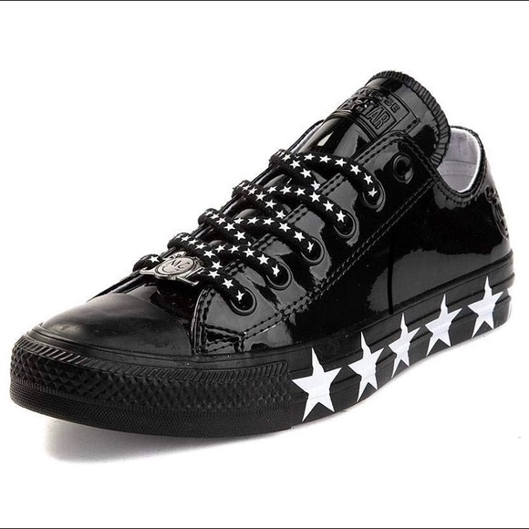 Converse x MC rock star, smile face. New with box NWT